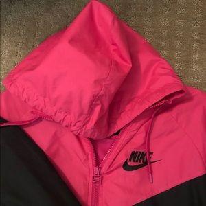 Nike womens windbreaker